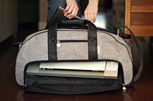 Silhouette-tote-laptop-case